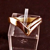 (GR10) Gold WIshbone Ring