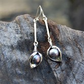 (SIPS2) Silver & Pearl Long drop Earrings