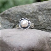 (STR6) Oxidised Silver & Pearl Ring